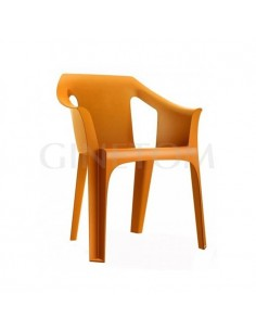 Silla de plastico Cool para terraza color naranja