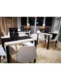 Mesa economica 4 patas estructura negra y tablero melamina color fresno
